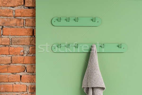 Metaal groene sjaal grijs opknoping metalen Stockfoto © bezikus