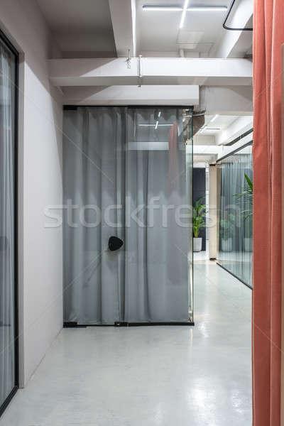Mooie interieur vliering stijl grijs muren Stockfoto © bezikus