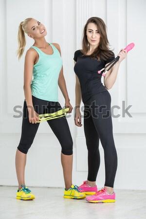 Meisjes sportartikelen vrouwelijke atleet zwarte leggings Stockfoto © bezikus