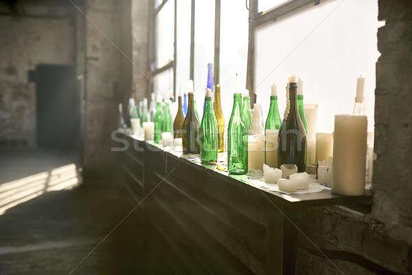 Intérieur grenier style beaucoup bouteilles Photo stock © bezikus