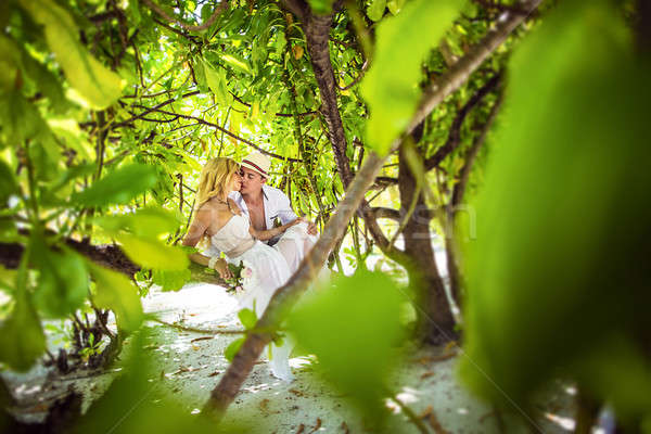 Maldivler plaj aile çift güzellik Stok fotoğraf © bezikus