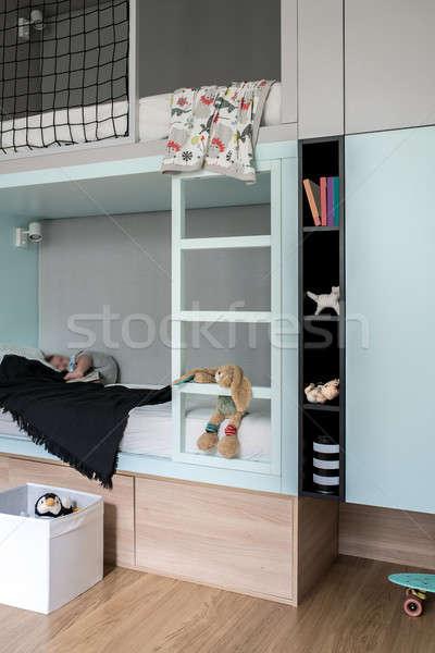 Pokój nowoczesny styl strych bed elegancki dzieci Zdjęcia stock © bezikus