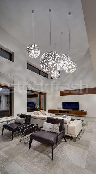 Lumière chambre chalet salle murs grand Photo stock © bezikus