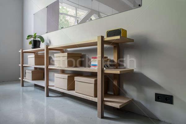 スタイリッシュ インテリア 木製 棚 グレー 壁 ストックフォト © bezikus