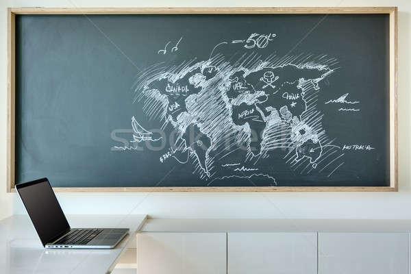 Gemalt weiß Kreide Karte Welt witzig Stock foto © bezikus