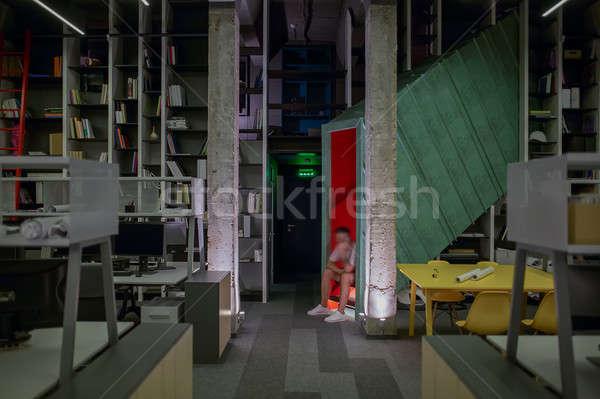 Kantoor vliering stijl hal lampen beton Stockfoto © bezikus