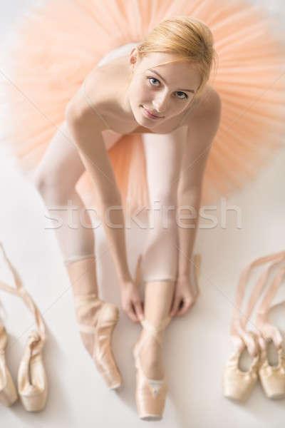 ブロンド バレリーナ スタジオ 笑みを浮かべて 白 階 ストックフォト © bezikus