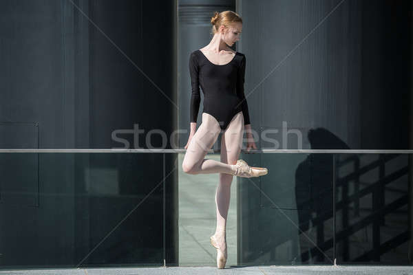 Stockfoto: Jonge · bevallig · ballerina · zwarte · badpak · stedelijke