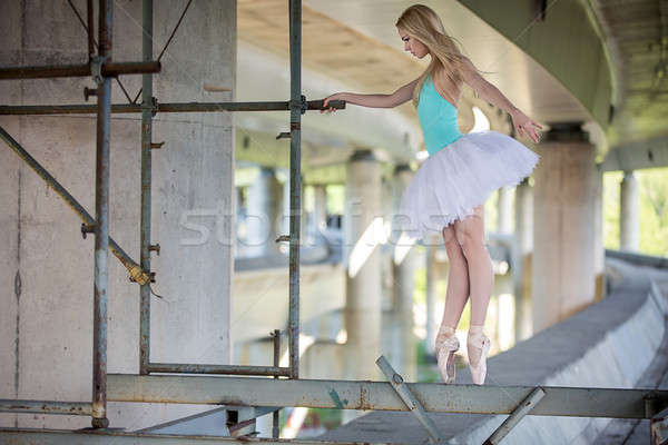 Stockfoto: Bevallig · ballerina · dans · beton · brug · achtergrond