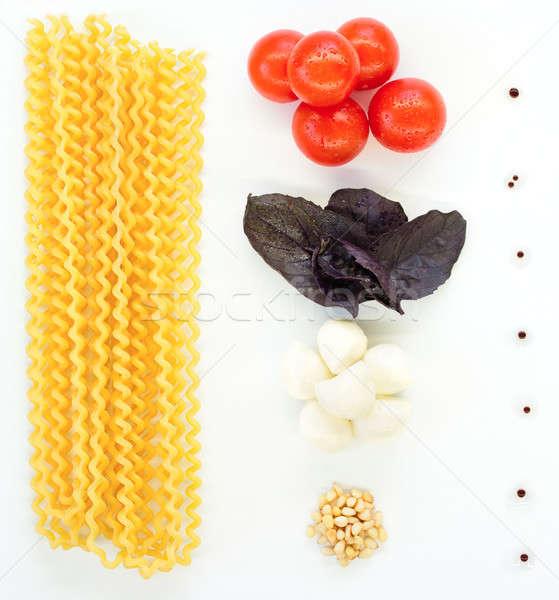 Pasta mozzarella tomates blanco comida pino Foto stock © bezikus
