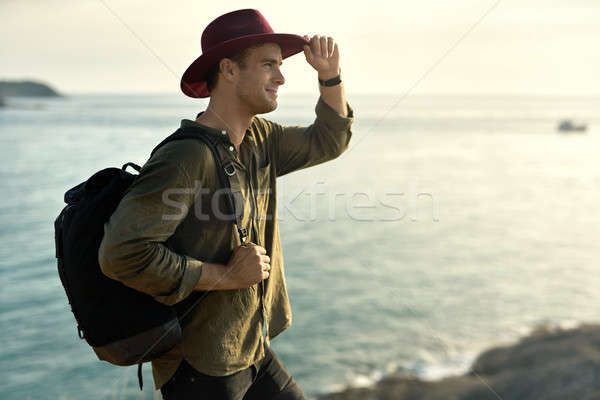 Gezgin poz açık havada çekici adam siyah Stok fotoğraf © bezikus