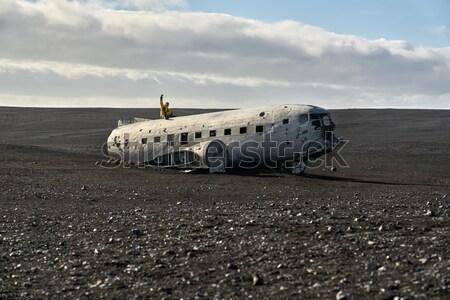 плоскости крушение Исландия человека желтый куртка Сток-фото © bezikus