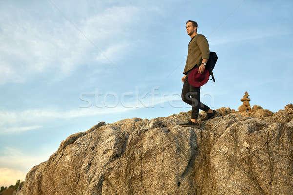 Touristischen neue Stelle trotzen guy Stock foto © bezikus