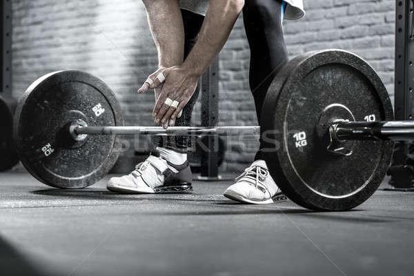 Barbell exercício foto mãos pernas Foto stock © bezikus