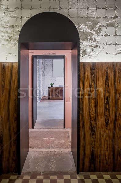 Előcsarnok padlás stílus megvilágított belső rongyos Stock fotó © bezikus