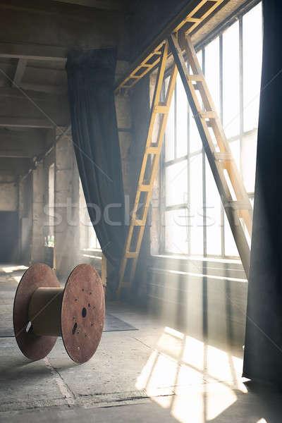 Interieur vliering stijl hal baksteen muren Stockfoto © bezikus