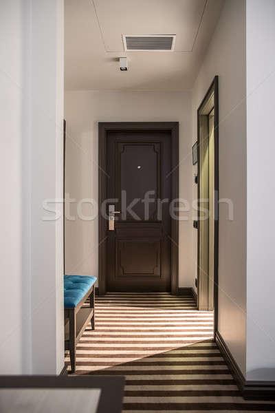 Elegante quarto de hotel corredor luz paredes Foto stock © bezikus