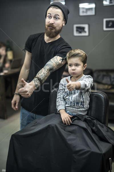 Pequeño nino feliz nuevos peinado barbado Foto stock © bezikus