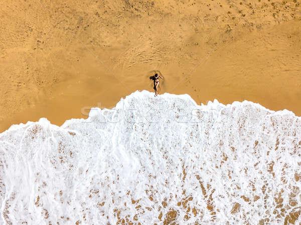 Trópusi tájkép tengerpart turisták Sri Lanka egy lány Stock fotó © bezikus