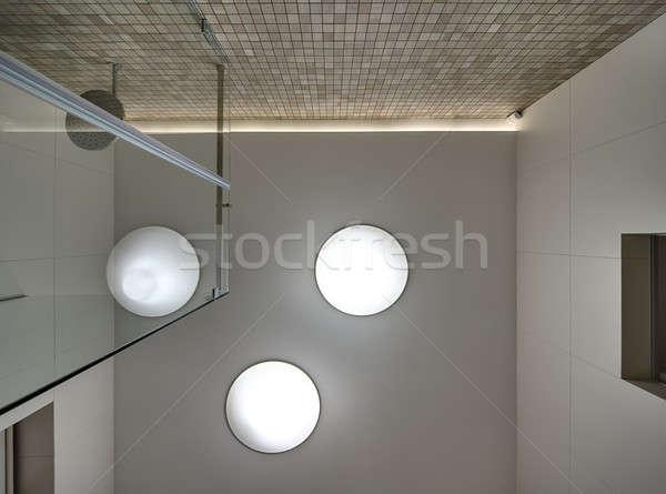 Teto chuveiro quarto branco lâmpadas um Foto stock © bezikus