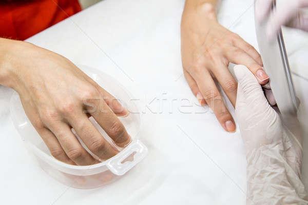 Manikűr folyamat szépségszalon kezek mester steril Stock fotó © bezikus