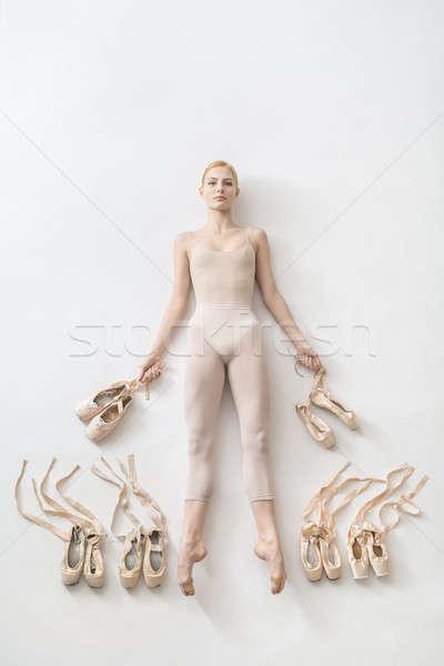 Szőke nő ballerina hazugságok stúdió vonzó nyújtott Stock fotó © bezikus