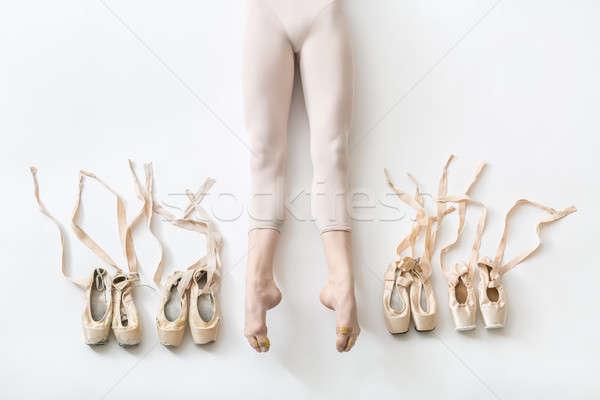 Ballerina hazugságok stúdió káprázatos nyújtott lábak Stock fotó © bezikus