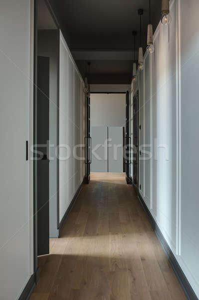 Koridor modern tarzda beyaz duvarlar zemin siyah Stok fotoğraf © bezikus