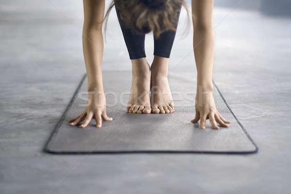 Stockfoto: Meisje · yoga · opleiding · jong · meisje · zwarte · broek · verloofd