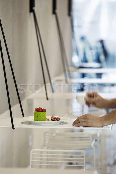 Torta frambuesas placa verde poco bayas Foto stock © bezikus