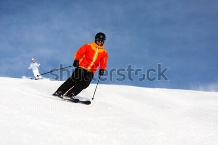 Mężczyzna narciarz w dół stok narciarski ekspert Zdjęcia stock © bigandt