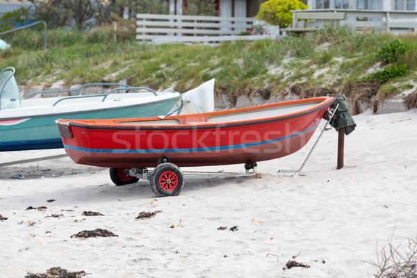 Rosso barca piccolo spiaggia di sabbia Danimarca sabbia Foto d'archivio © bigandt