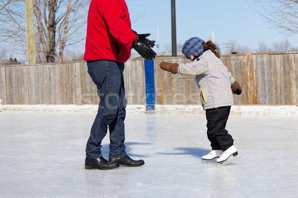 Сток-фото: отец · преподавания · дочь · льда · Skate · Открытый