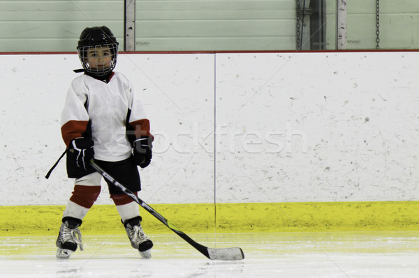 Child playing ice hockey Stock photo © bigjohn36