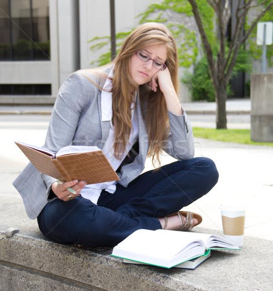 студент изучения кампус женщину Сток-фото © bigjohn36