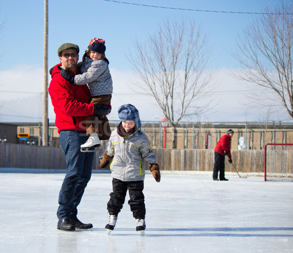 幸せな家族 スケート 父から息子 娘 演奏 ストックフォト © bigjohn36