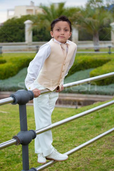 Fiatal elsőáldozás fiú dől fém kerítés Stock fotó © BigKnell