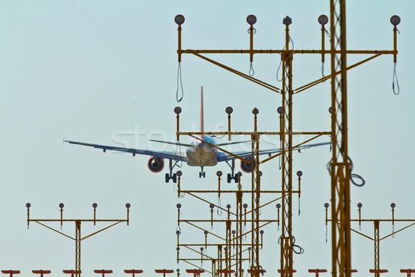 Samolot lądowanie światła działalności niebo świetle Zdjęcia stock © BigKnell
