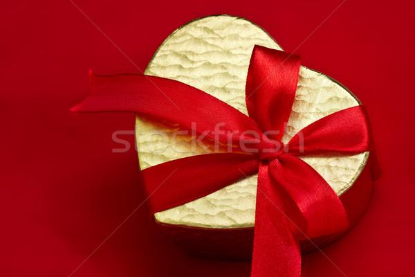 Złoty polu kształt serca czerwony kolor Zdjęcia stock © BigKnell