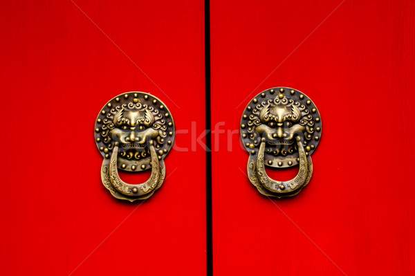Rojo puerta dragón latón lago Foto stock © billperry