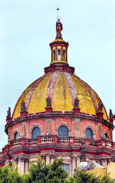 Vermelho amarelo cúpula México edifício igreja Foto stock © billperry