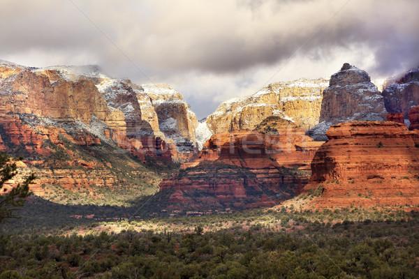 Rot weiß rock Canyon Schnee Wolken Stock foto © billperry