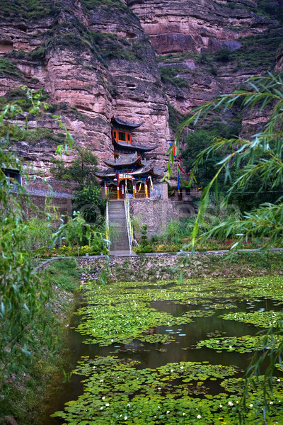 Brilhante espírito budista templo jardim água Foto stock © billperry
