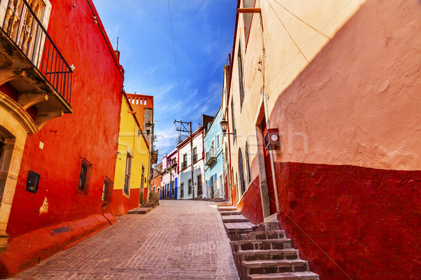Sok színes piros citromsárga házak keskeny Stock fotó © billperry