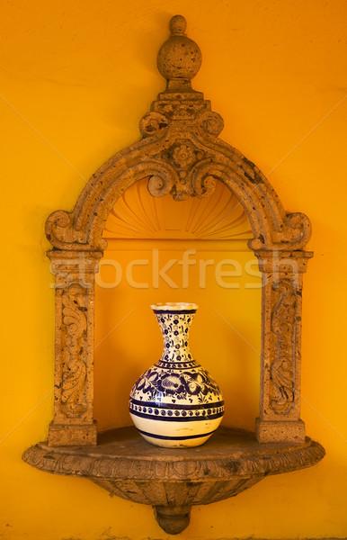 Giallo muro blu vaso Messico bianco Foto d'archivio © billperry