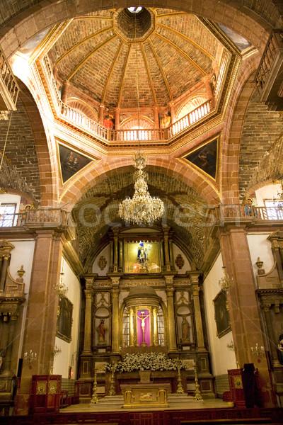 Pomarańczowy cegły kopuła złoty ołtarz kościoła Zdjęcia stock © billperry