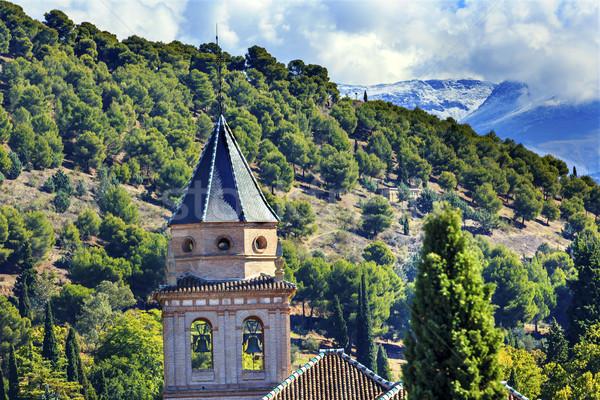 Alhambra templom kastély tornyok farm hegyek Stock fotó © billperry