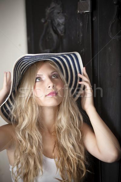Chapeau blond métal porte espace de copie Photo stock © blanaru
