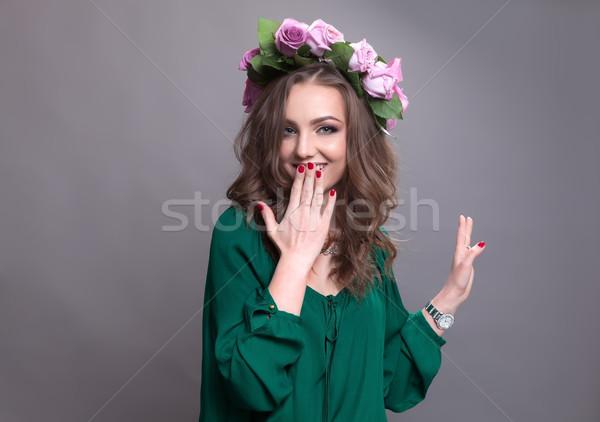 Geluk vreugde jonge vrouw glimlachen goede tijd Stockfoto © blanaru