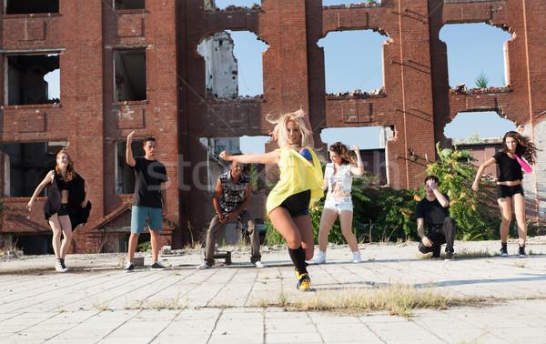 энергичный молодые хип-хоп улице танцовщицы Сток-фото © blanaru